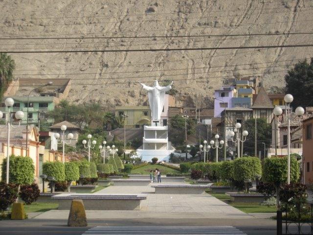 plaza central chosica