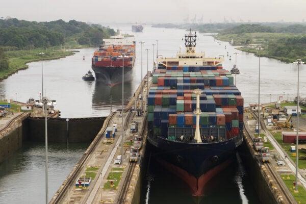 barco canal de panama