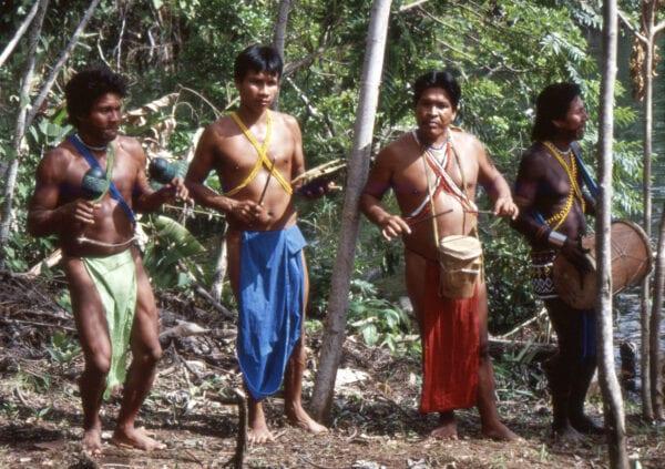 indios de Emberá
